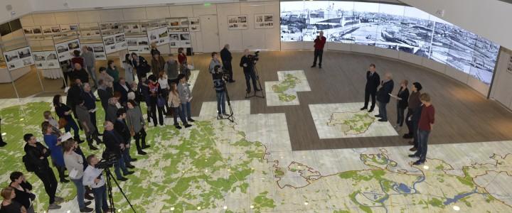 Политологи Института истории и политики приняли участие в открытии выставки «Москва – история и современность»