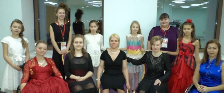 Волонтёры из Института детства на III Международном благотворительном танцевальном фестивале «Inclusive Dance»