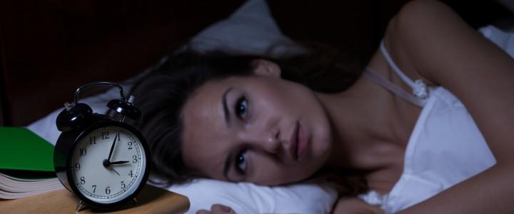 Ученые рассказали, какие привычки нарушают сон людей
