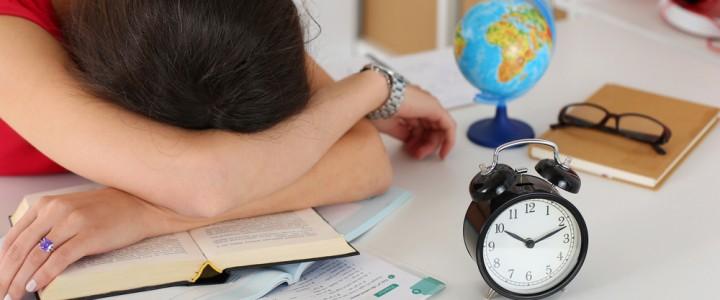 """Ученые: """"Недосып"""" и избыток сна грозят одинаковыми последствиями"""