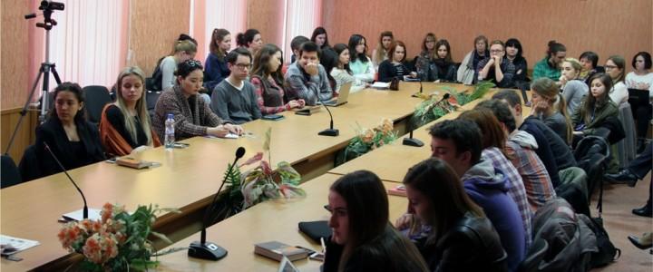 О проблеме некачественной информации  говорили в ИЖКМ на лекции Е.И. Кузьмина