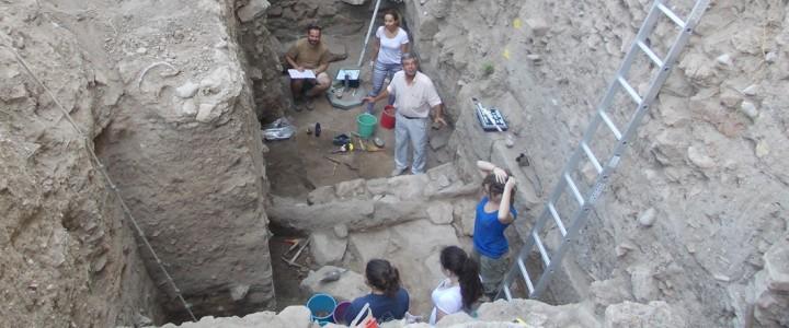 Европейская пресса продолжает освещать раскопки в греческих Фивах