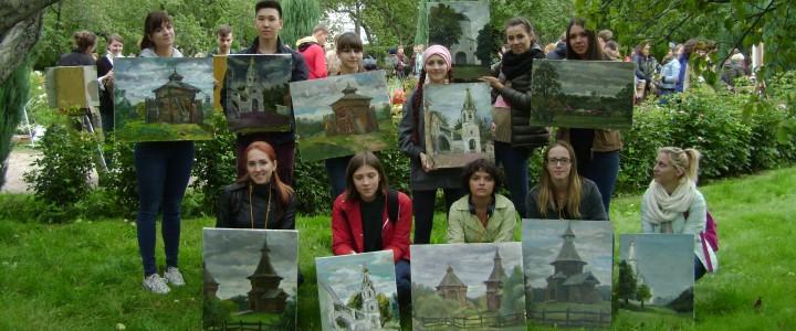 """Студенты Института искусств приняли участие в проекте """"Мой город сегодня"""""""