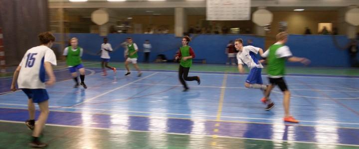 Неделя спорта. 12:0 в пользу Геофака