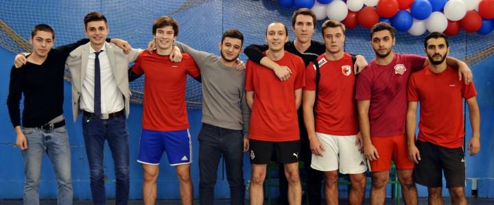 Мини-футбол: ИСГО вышел в полуфинал