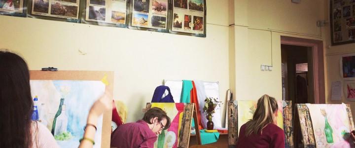 Первая выставка лицеистов-художников