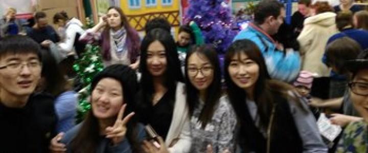 Студенты, магистранты и стажеры факультета русского языка и межкультурной коммуникации  знакомятся с культурой, бытом и традициями России.