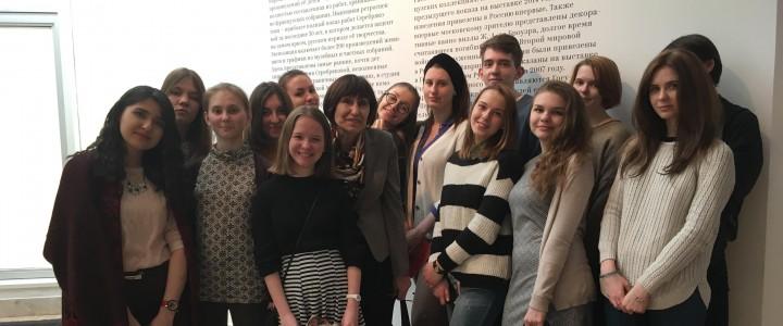 """Культурологи на выставке """"Зинаида Серебрякова"""" в Третьяковской галерее"""