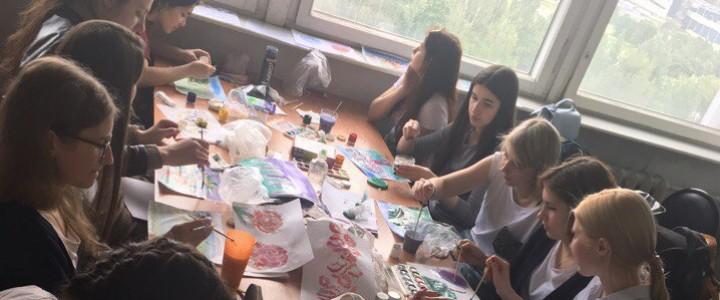 Будущие дефектологи осваивают нетрадиционные методы рисования