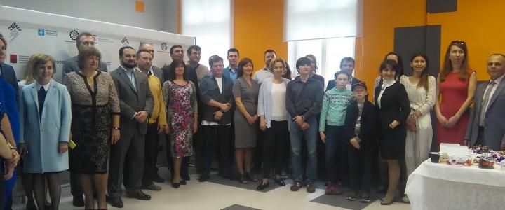 Студенты-технологи на фабрике новых технологий