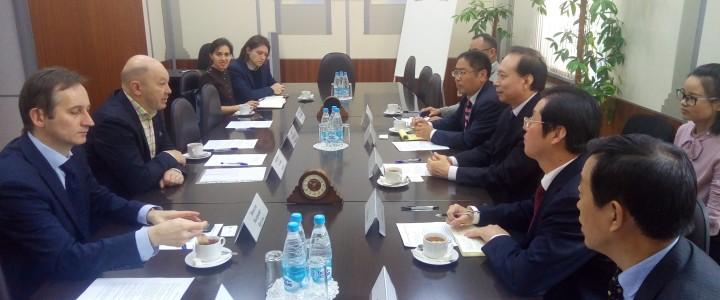 Визит делегации Чжэнчжоуского Университета