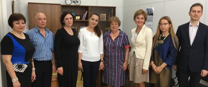 Восстановление традиционных связей в сфере гуманитарно-образовательного сотрудничества с Узбекистаном