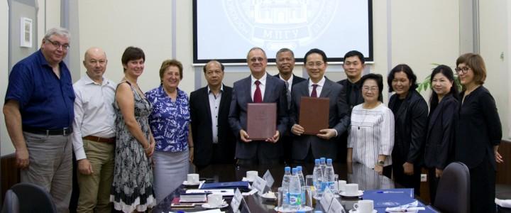 Визит делегации Технологического университета Раджамангала в Бангкоке (Королевство Таиланд) в МПГУ