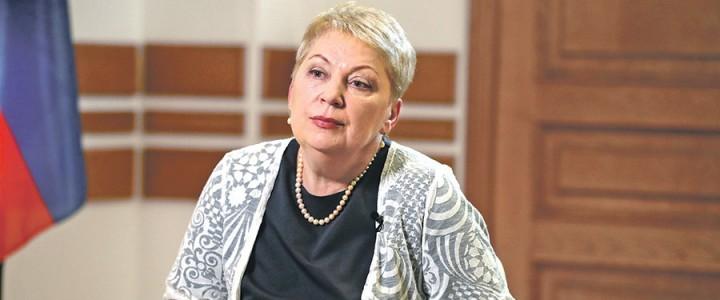 Глава Минобрнауки: «В школах должны играть в шахматы»