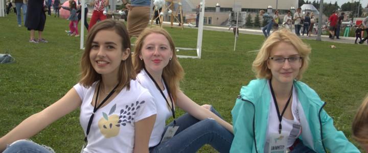 Студенты кафедры культурологии ИСГО приняли участие в 6-ом фестивале «Антоновские яблоки» в городе Коломна