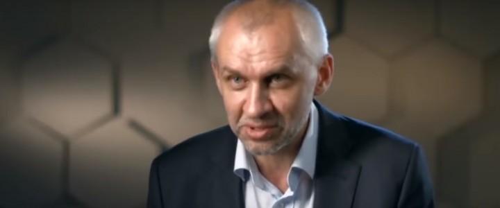Заместитель директора Института истории и политики МПГУ Владимир Шаповалов на телеканале РЕН-ТВ