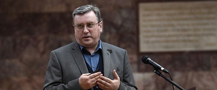 Алексей Лубков: «Революции начинаются не в казармах, а на театральных подмостках»