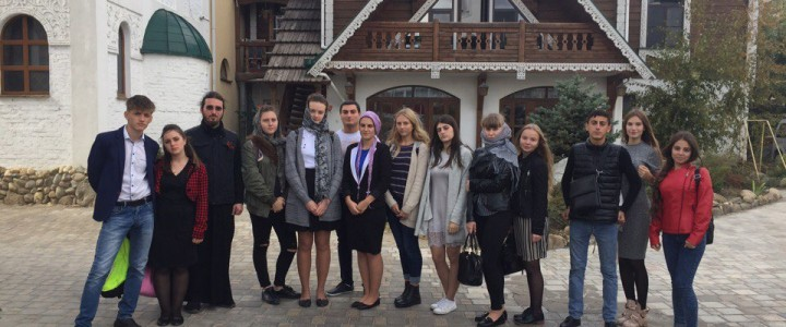Студенты Анапского филиала МПГУ посетили Храм Серафима Саровского