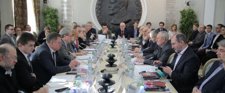 В Общественной палате обсудили учебники истории в России и постсоветских странах