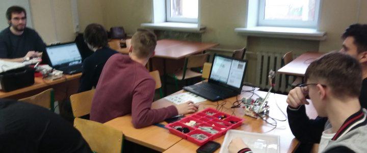 Кружок информатики для старшеклассников на матфаке