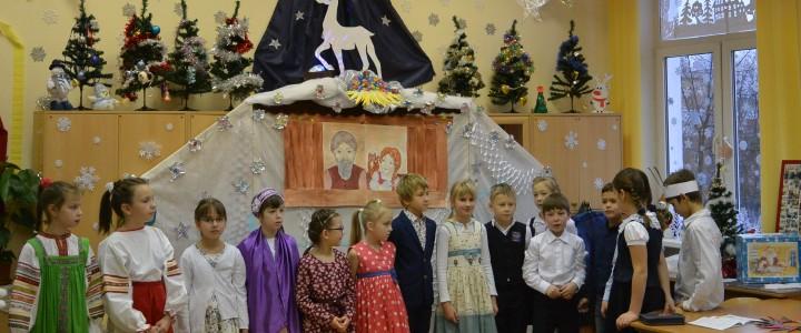 Студенты ИБХ оценили новогоднее оформление Прогимназии Свиблово