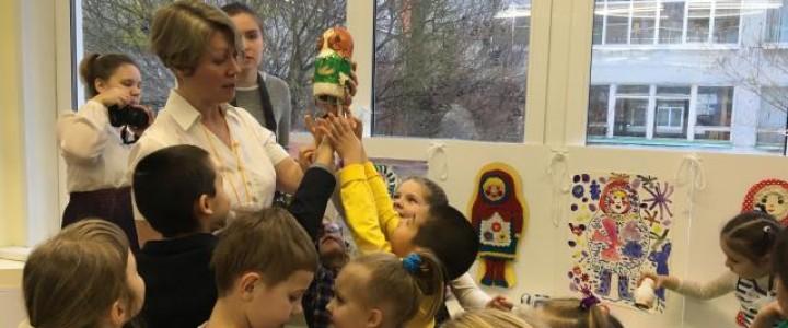 Сотрудники Института детства приняли участие в открытии Арт-Фестиваля «Знакомьтесь, красавицы Матрешка, Плагона и Матрегона»