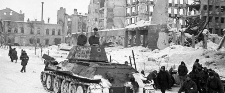 Историк Юрий Никифоров: «Гитлеру было плевать на камни Сталинграда»
