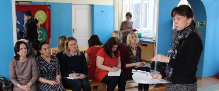 Мастер-класс для педагогов провела профессор Н.В. Микляева
