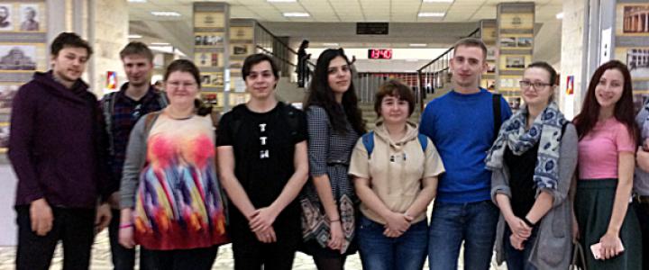 Студенты ИФТИС на Педагогическом марафоне (День учителей физики, информатики)