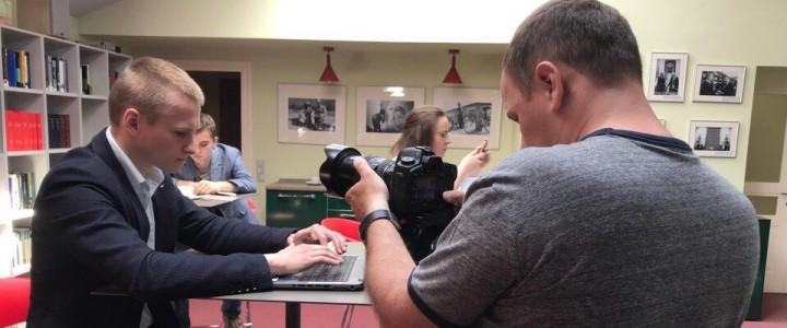 Студенты Института журналистики, коммуникаций и медиобразования приняли участие в съёмках промо-ролика для Международного Комитета Красного Креста