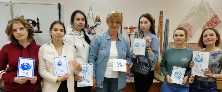 """Мастер-класс по росписи """"Гжель"""""""