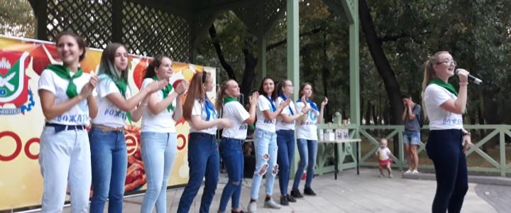 YO-вожатые приняли участие в фестивале «Дары осени»