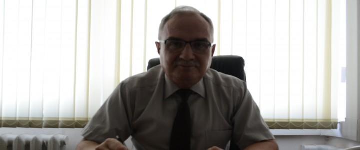 Директор Института иностранных языков Сергей Засорин рассказал о своих мечтах