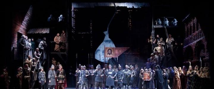 21 сентября лицеисты-новобранцы побывали в театре «Новая опера»