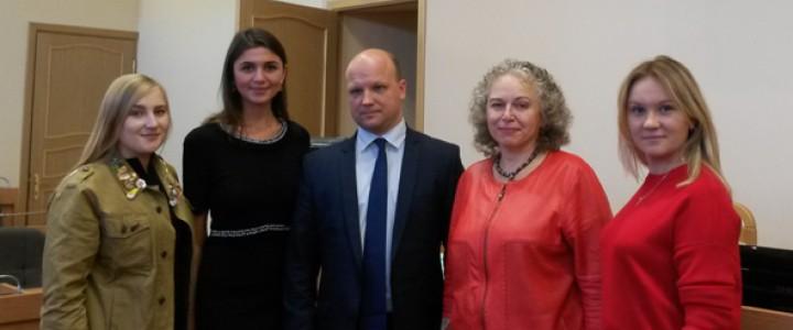 Вопросы подготовки кадров для создания  воспитывающей среды обсудили в Санкт-Петербурге
