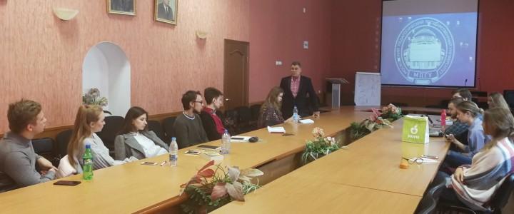 Студенты Института журналистики, коммуникаций и медиаобразования встретились с режиссером киножурнала «Ералаш» Владимиром Панжевым