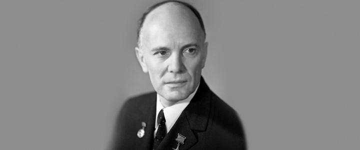 Сегодня 100 лет исполняется Б.Е. Патону