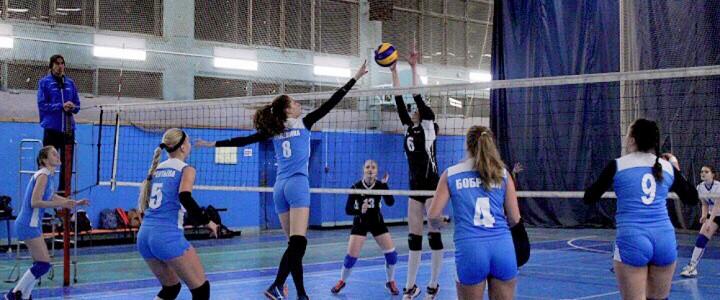 Первое поражение женской сборной МПГУ по волейболу