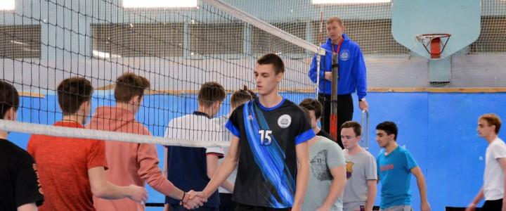 Итоги первых игр группового этапа чемпионата МПГУ по волейболу среди юношей