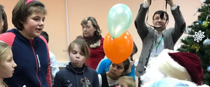 «Физическая гостиная» устроила праздничный фестиваль науки в интернате в Тульской области