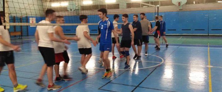 Наша мужская сборная по волейболу лидирует в своей группе