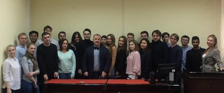 Участники Студенческого парламентского клуба МПГУ встретились с Президентом РАПК