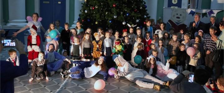 Детская Новогодняя елка в Главном корпусе