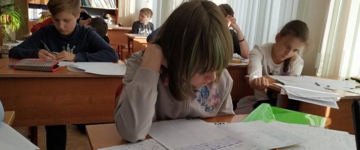 Наши студенты приняли активное участие в проведении XXХ Математического праздника