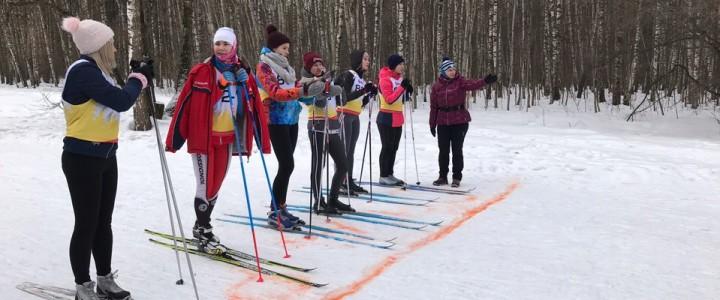 Соревнования по лыжным гонкам среди студентов ИФКСиЗ!