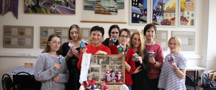 Университетские субботы. Мастер-класс по изготовлению русской традиционной тряпичной куклы