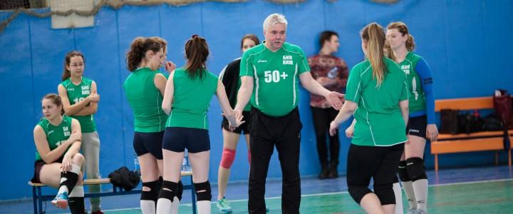 Женская сборная по волейболу ИБХ вышла в полуфинал