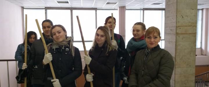 Студенты приняли участие в юбилейном (100-летнем) Субботнике