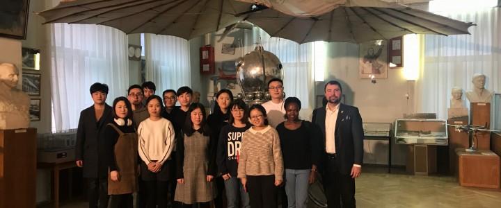 Иностранные студенты ИСГО посетили музей ЦАГИ им. Н.Е. Жуковского