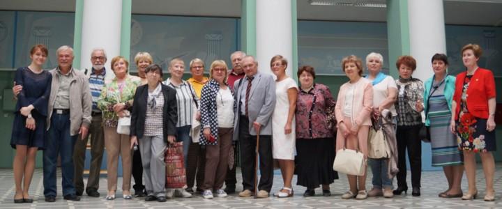 Вместе через 45! Выпускники исторического факультета 1974 года встретились в Главном корпусе университета